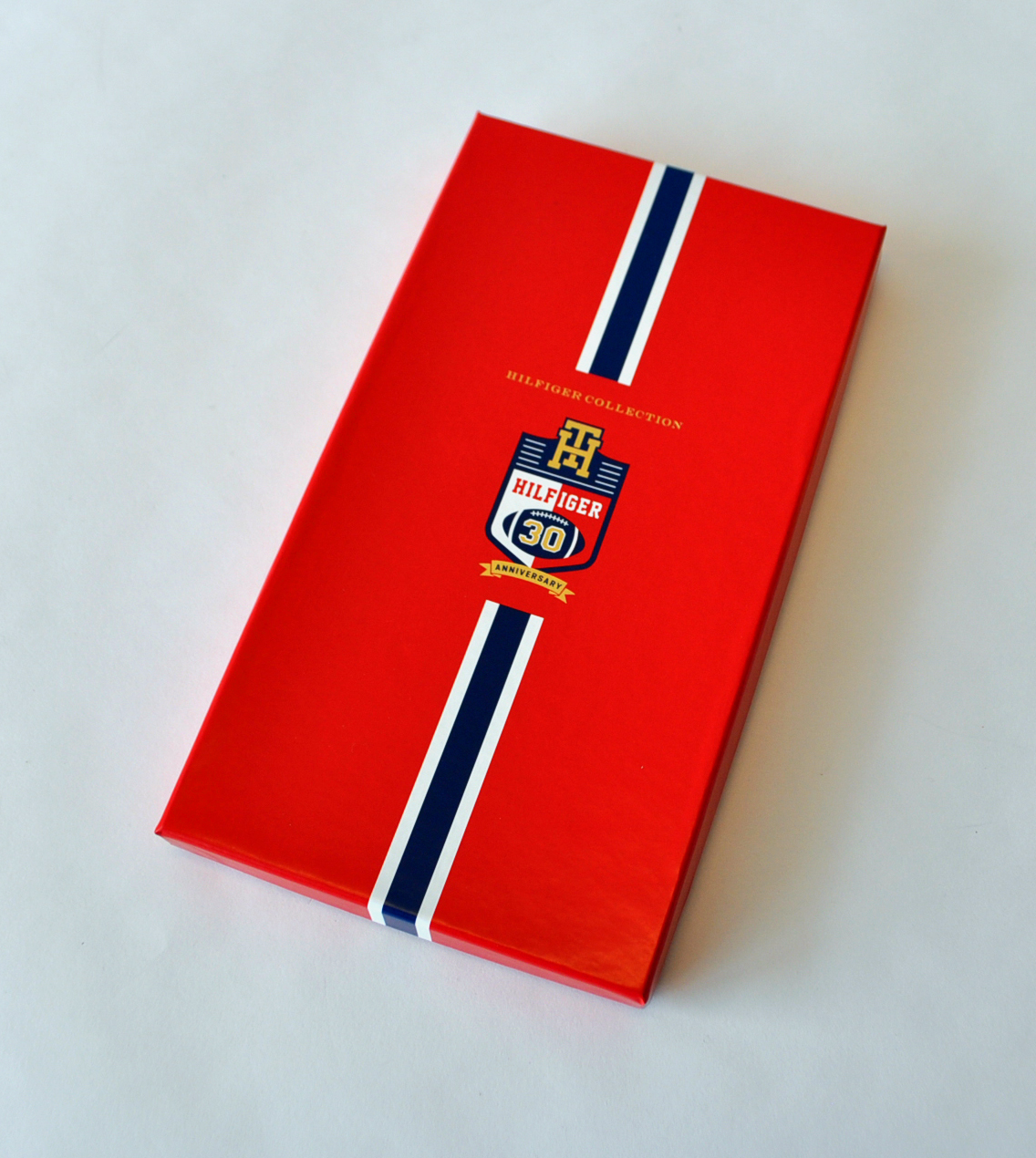 tommy-hilfiger-fashion-week-ticket-box