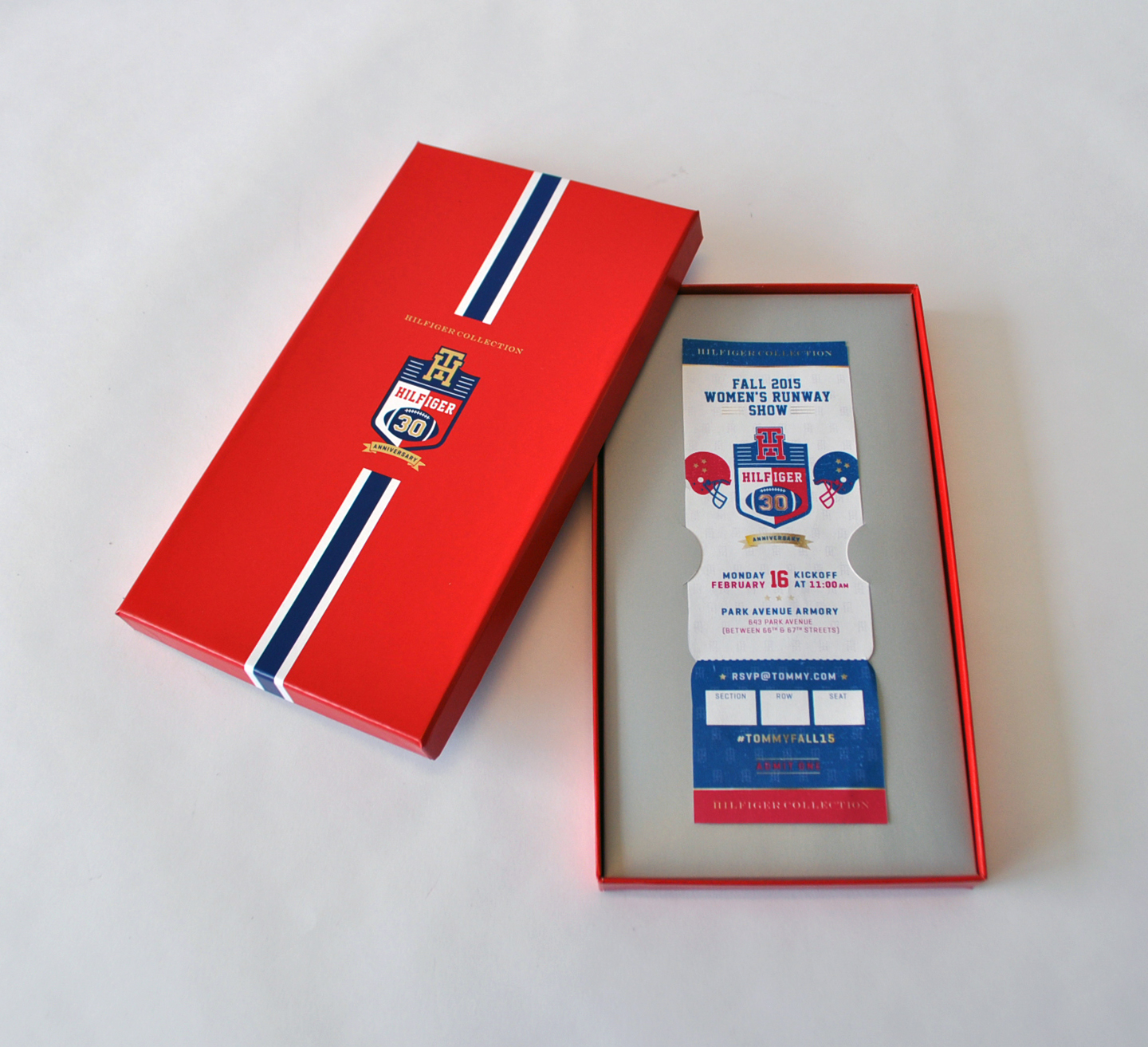 tommy-hilfiger-fashion-week-ticket-box_b